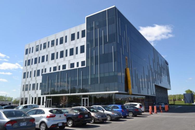 Un nouveau bâtiment commercial dans le Technoparc de Saint-Laurent